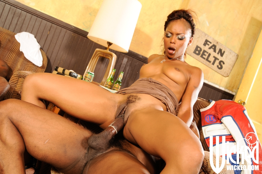 Sexy Hairy Black Pussy - Sexy Black Hairy Pussy Pics. Hairy Black Babes for Natural ...